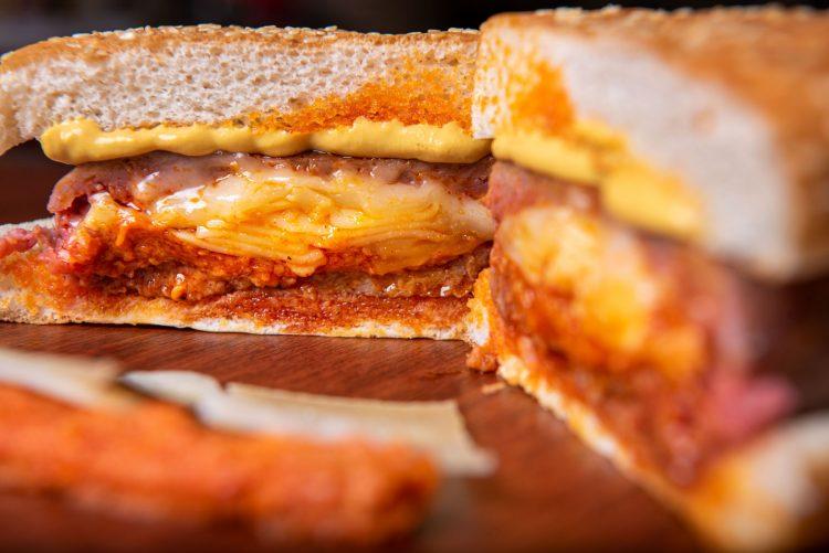 hamburguesa rellena de sobrasada