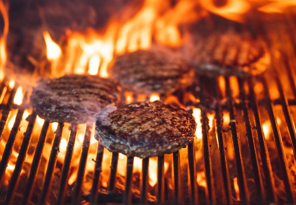hamburguesa en barbacoa
